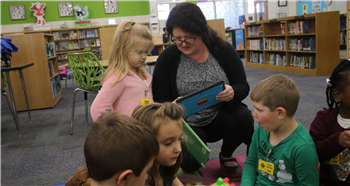 Students net literacy goals during READvolution, parents assist